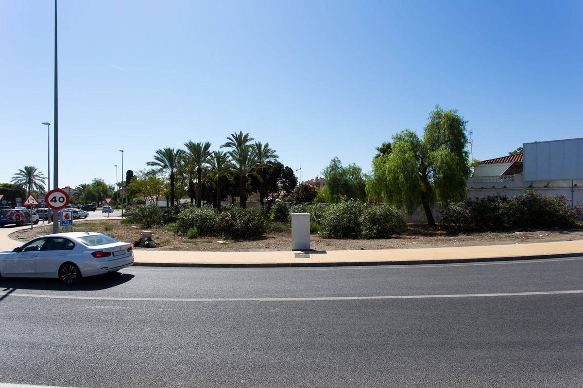 INVESTMENT PROJECT  For possible commercial use,  800 m2 PLOT Location, location, location !!! Walki,Spain