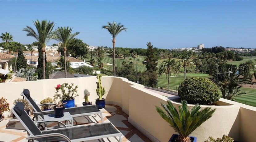 Lovely 2 bedroom penthouse in the luxury complex of Las Alamandas. One of the most prestigious and s,Spain