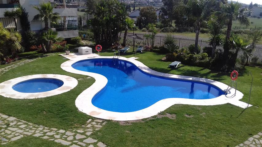 Lovely apartment very well located, close to shops, and a step away from the beach of Mijas Costa. B,Spain