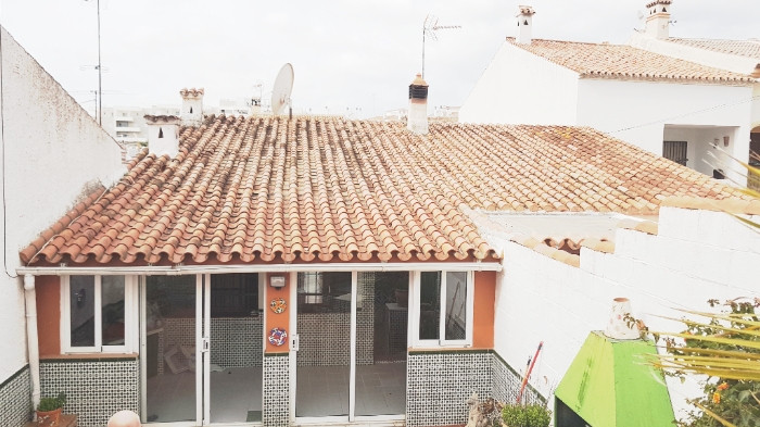 REAL BARGAIN VILLA  !!!! DRASTIC PRICE REDUCTON  !!!  BEFORE 185.000 €  NOW  ONLY 170.000 €  Great i,Spain