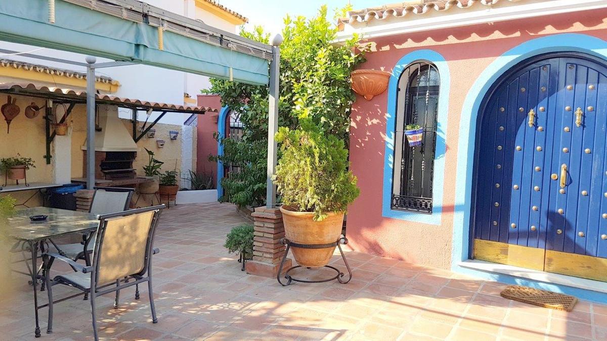 Villa 4 Dormitorios en Venta San Pedro de Alcántara