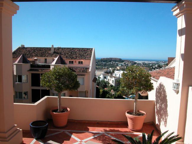Amazing  groundflooro apartment, with amazing  views. in Urb. Albatross Hill Club, luxury gated comp, Spain