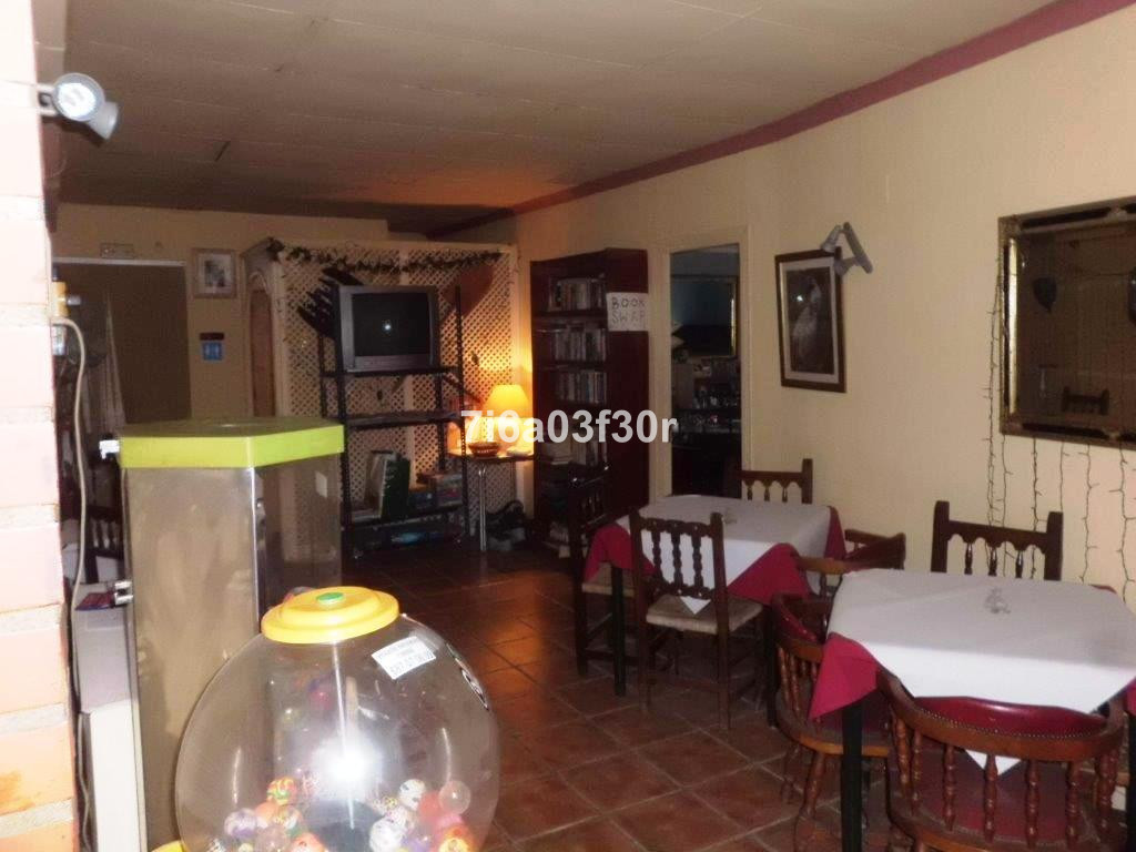 Villa con 2 Dormitorios en Venta Selwo