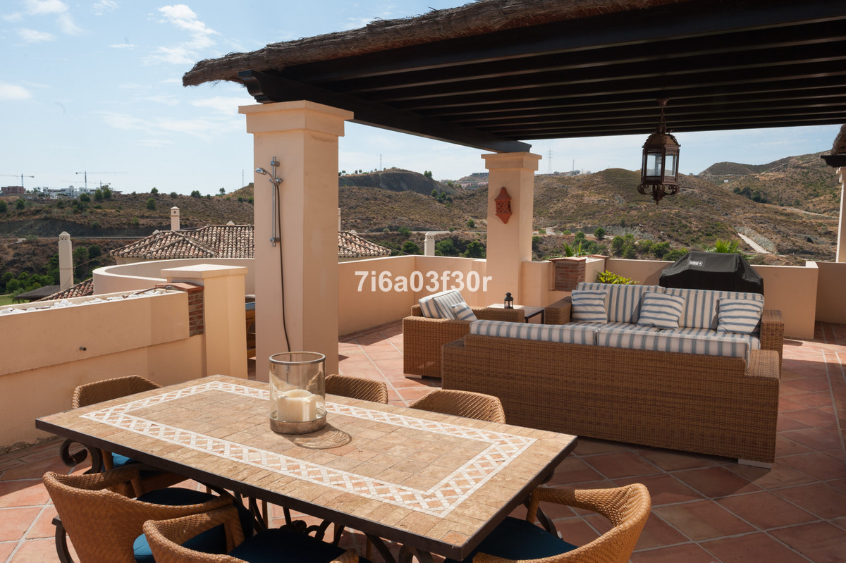 R3554365 | Penthouse in Benahavís – € 795,000 – 3 beds, 4 baths