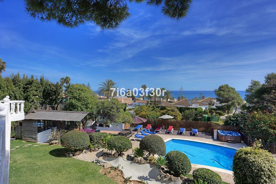 This impressive detached villa on a large private plot offers spacious accommodation with stunning v,Spain