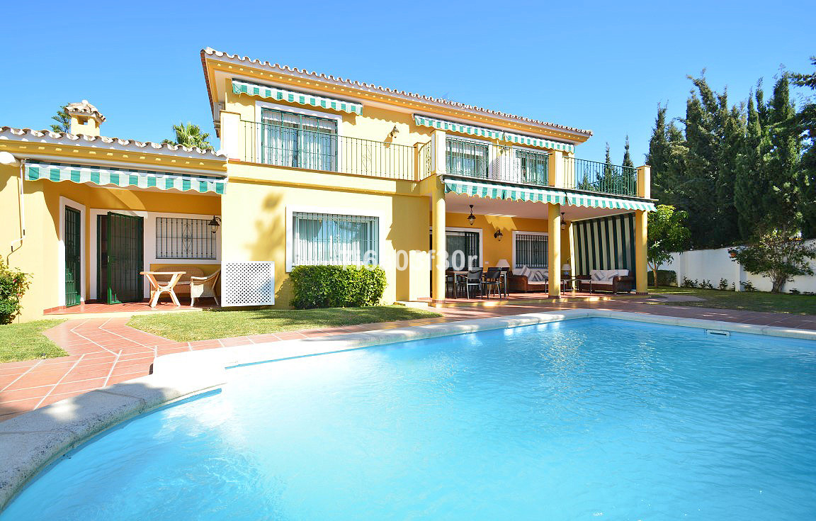 A very bright 5 bedroom villa very close to the center of cozy San Pedro  PROPERTY: Cozy villa with , Spain
