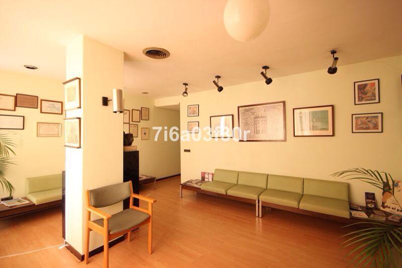 Marbella Banus Oficina en venta en Marbella – R3325231