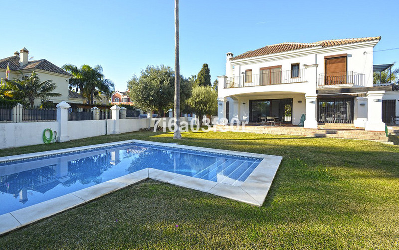Villa – Chalet en venta, San Pedro de Alcántara – R3070843