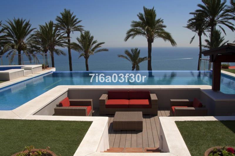 Villa – Chalet en venta en Punta Chullera – R2357612