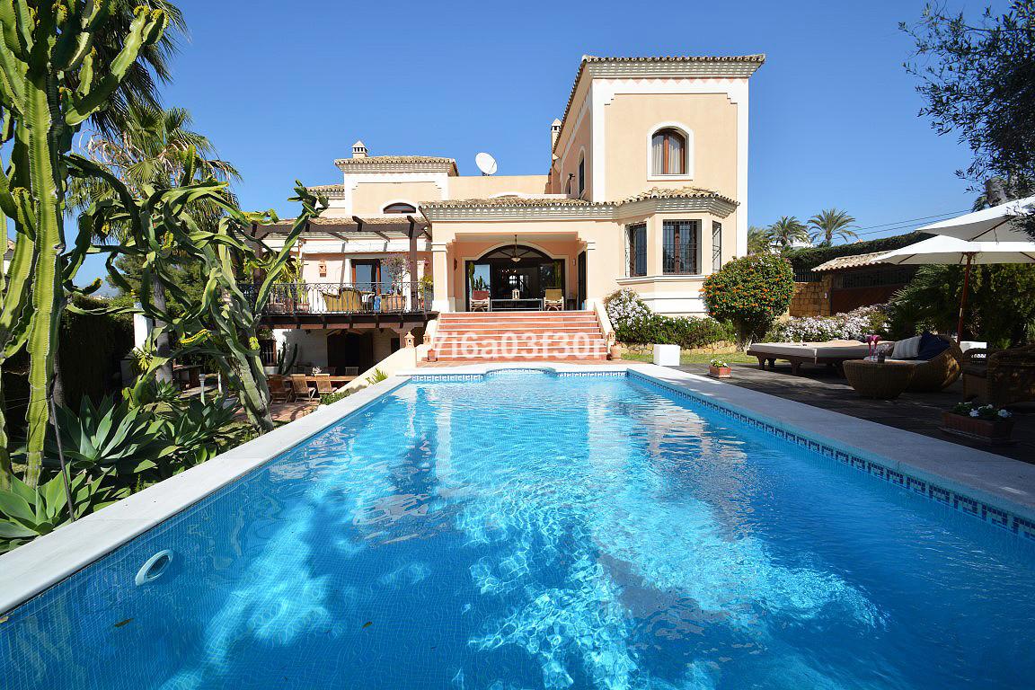Marbella Banus Villa – Chalet en Venta en Puerto Banús – R2607917