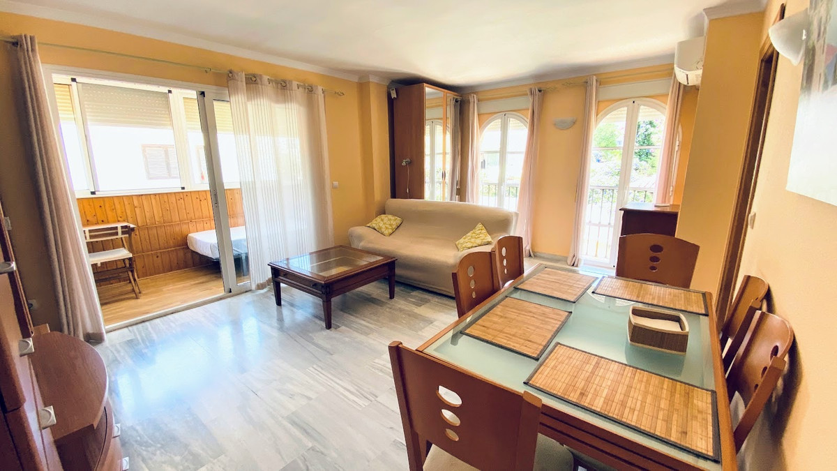 Cozy and very bright apartment in the Montemar area of Torremolinos.  It is close to the beach, La B, Spain