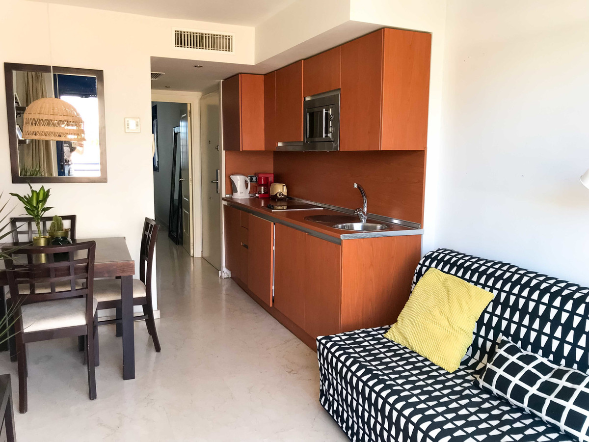 A cozy and fully equipped apartment in Benalmadena, 300 meters from the beach, with private parking ,Spain