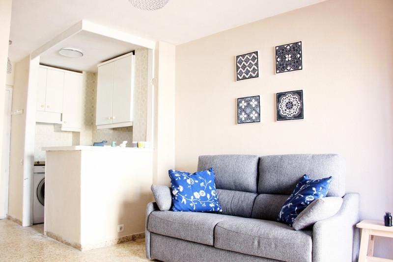 1 Bedroom Middle Floor Apartment for Rent, Benalmadena