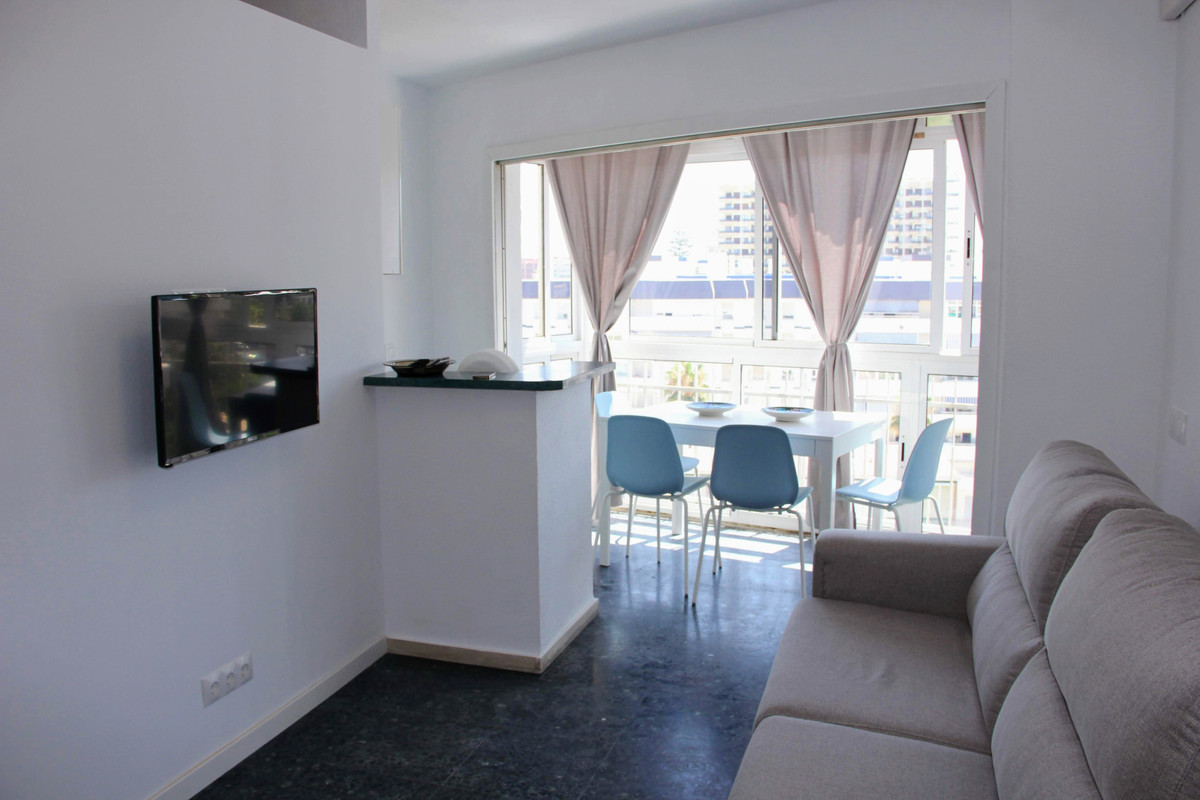 A cozy and fully equipped apartment in Benalmadena, 100 meters from the beach and access to the swim, Spain