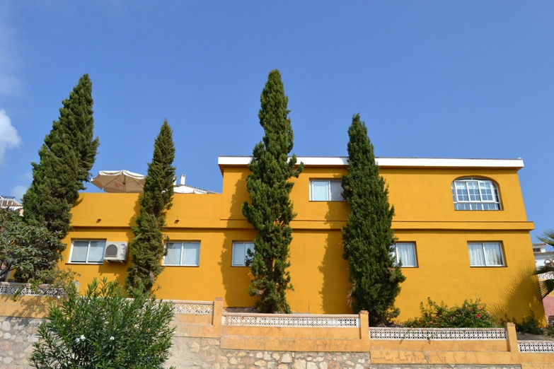 Residential senior center is located in a quiet, adequate to meet all the requirements of the Board , Spain