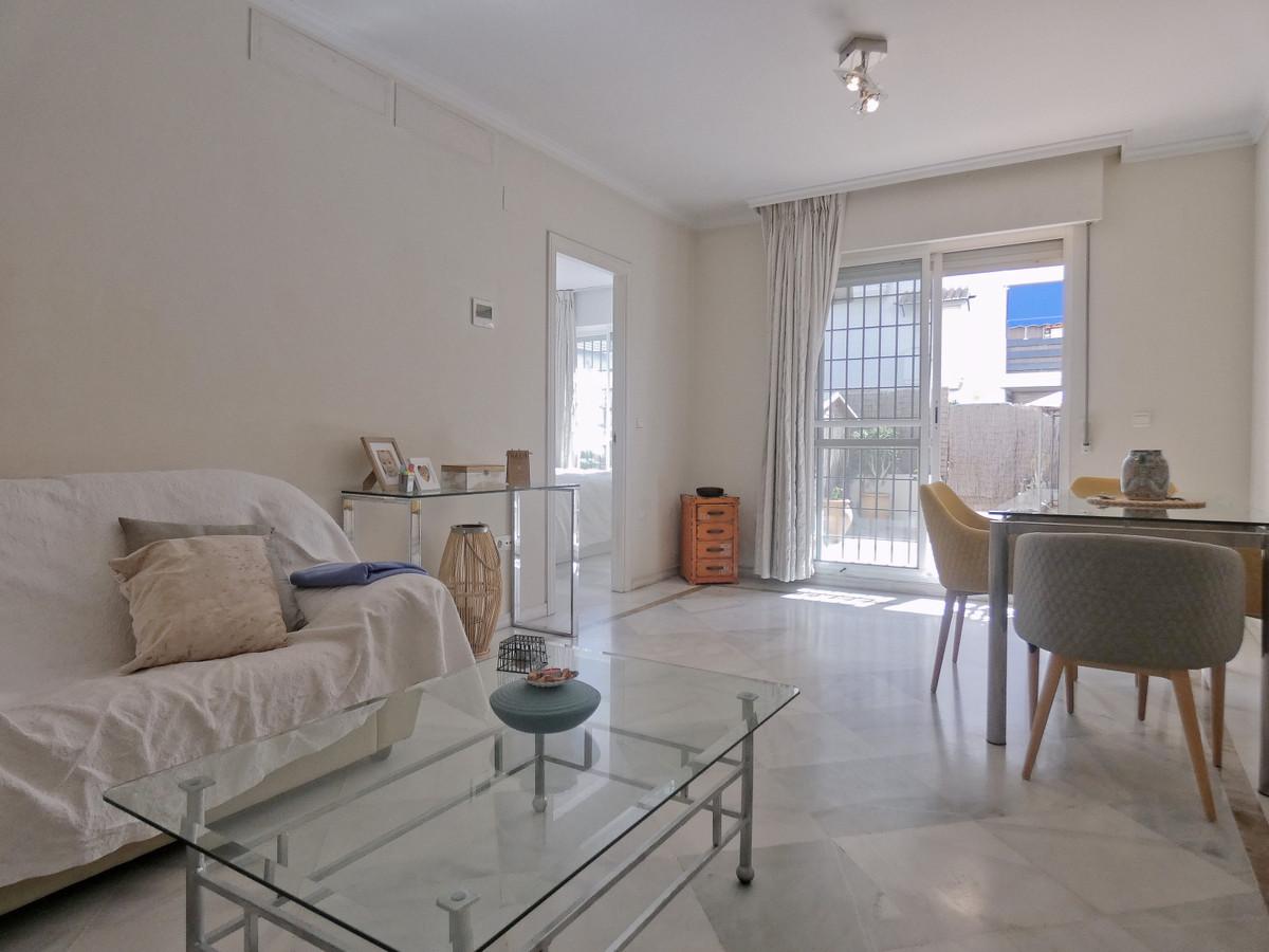 Marbella Banus Ground Floor Apartment for Sale in Puerto Banus – R3727606