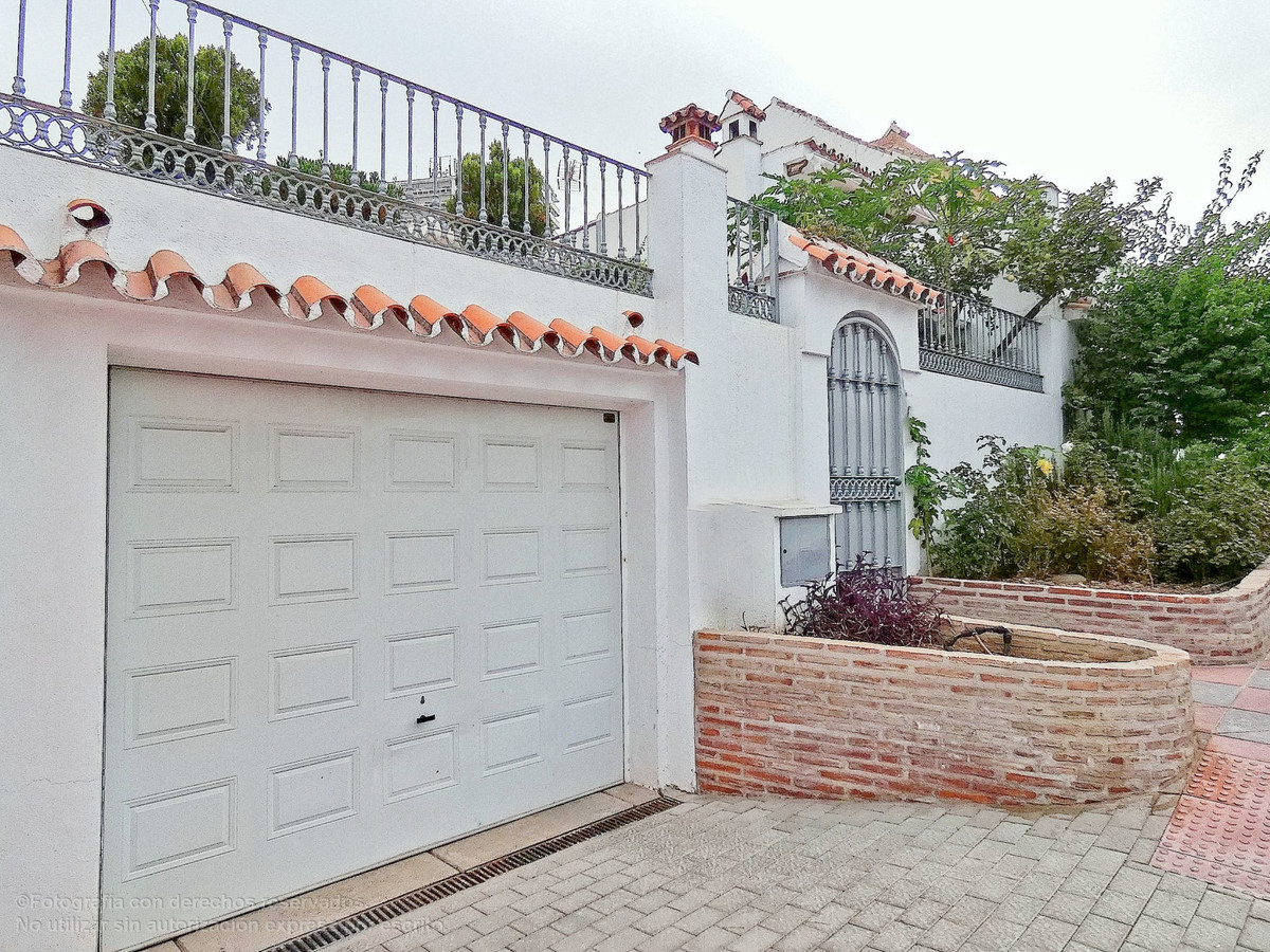 Townhouse for sale in Nueva Andalucía R3349612