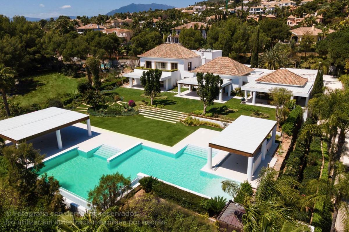 Detached Villa for sale in Sierra Blanca R2332895