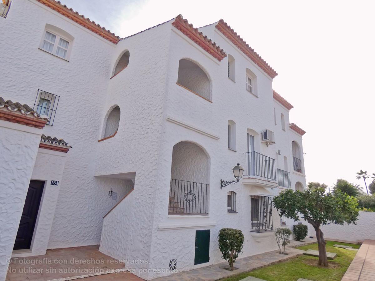 Apartamento en Venta en New Golden Mile – R3600821