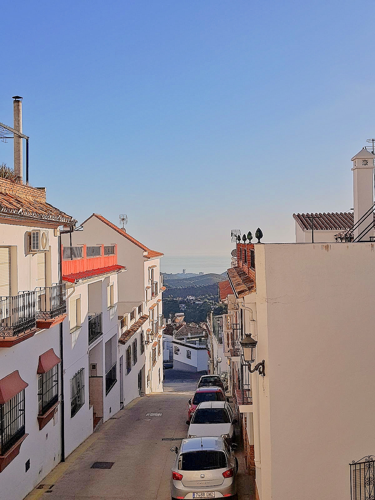Apartment with 3 bedrooms, 2 bathrooms, one en suite. Very well distributed, in very good condition,,Spain