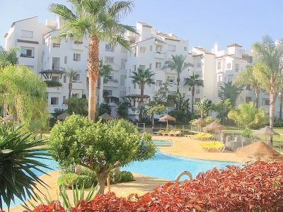 Middle Floor Apartment, New Golden Mile, Costa del Sol. 2 Bedrooms, 2 Bathrooms, Built 120 m², Terra, Spain