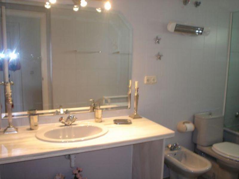 Apartamento Planta Media en venta en Marbella – R3457288