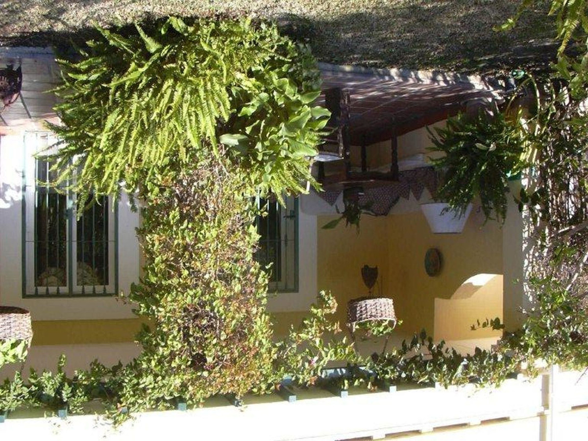 Beautiful town house in La quinta Golf, only a few minutes from Puerto Banus and Marbella. Explendid, Spain