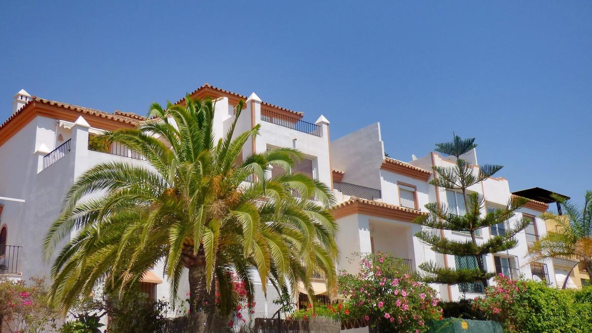 Spacious Duplex Penthouse with 150 m2 interior plus 130m2 of terraces, located in private urbanizati,Spain