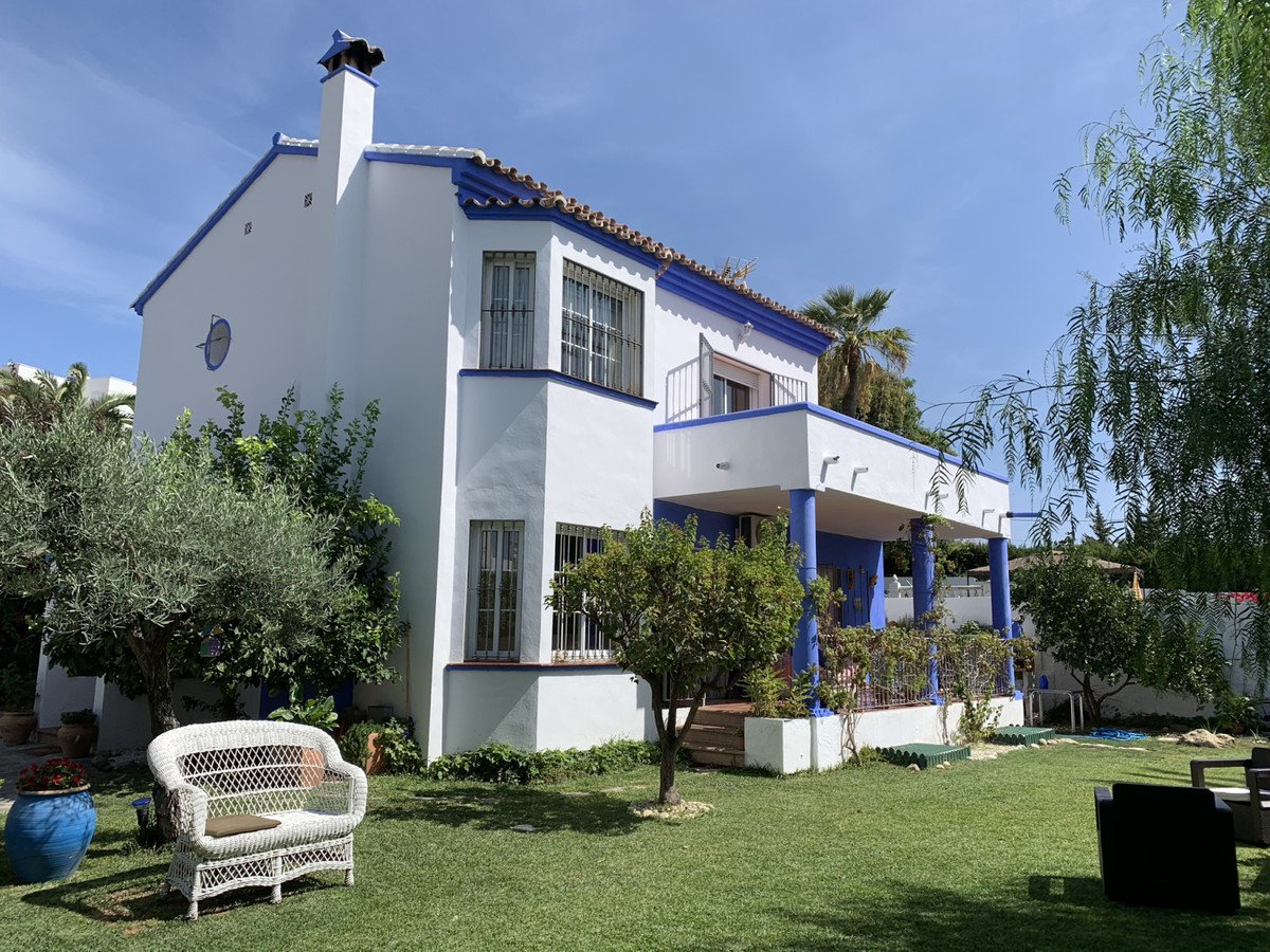 Beautiful, charmingand sunny villa built on two levels in a very private and quiet area of Marbella,Spain