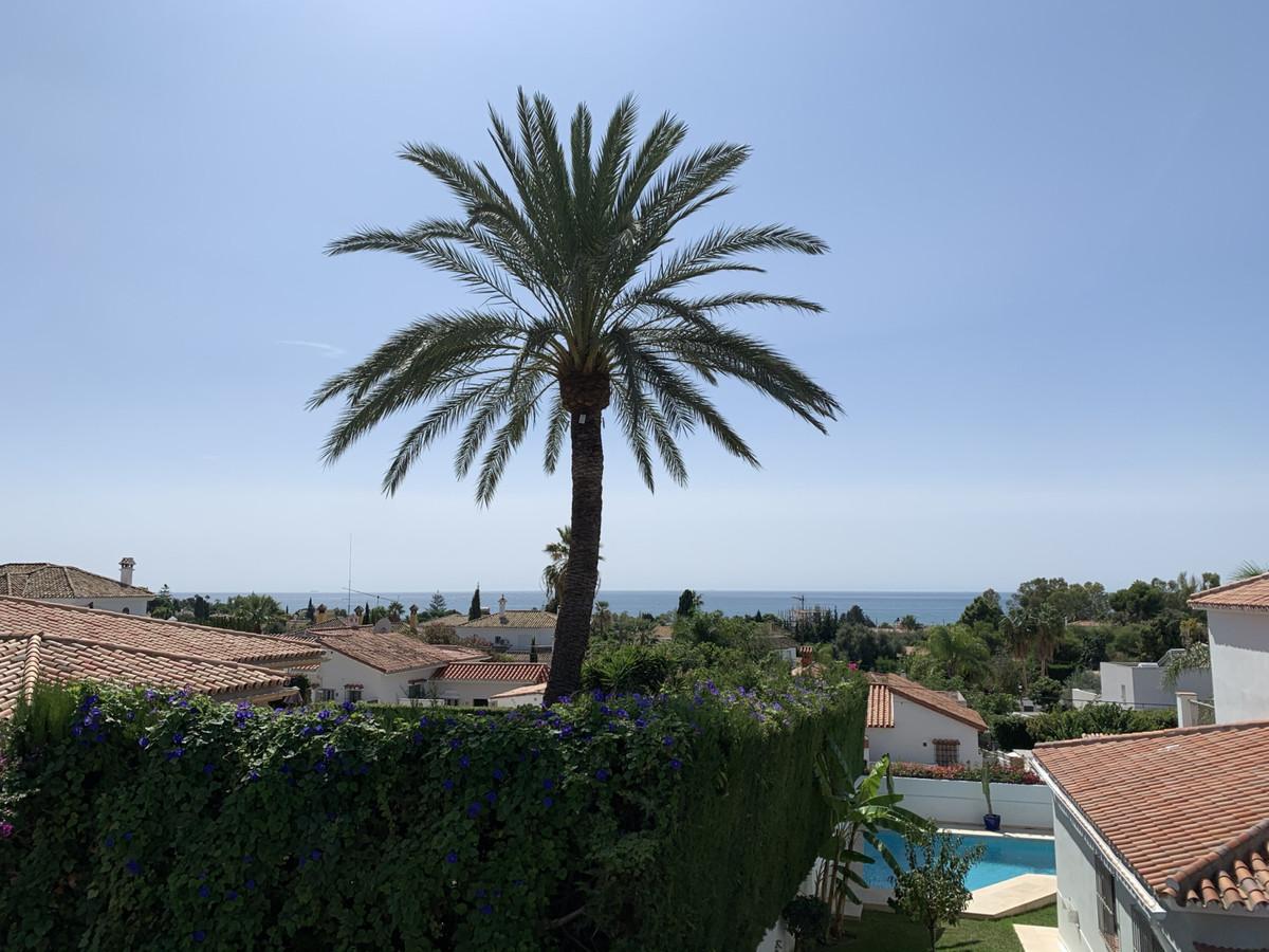 Villa for Sale in Marbella - R2511773