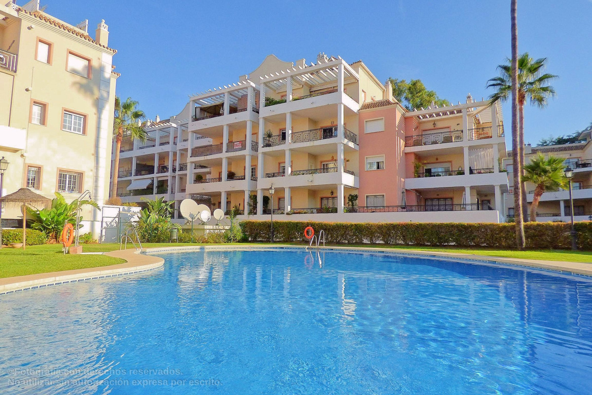 Great corner apartment in urbanization located in the Golf Valley just minutes from Puerto Banus and,Spain