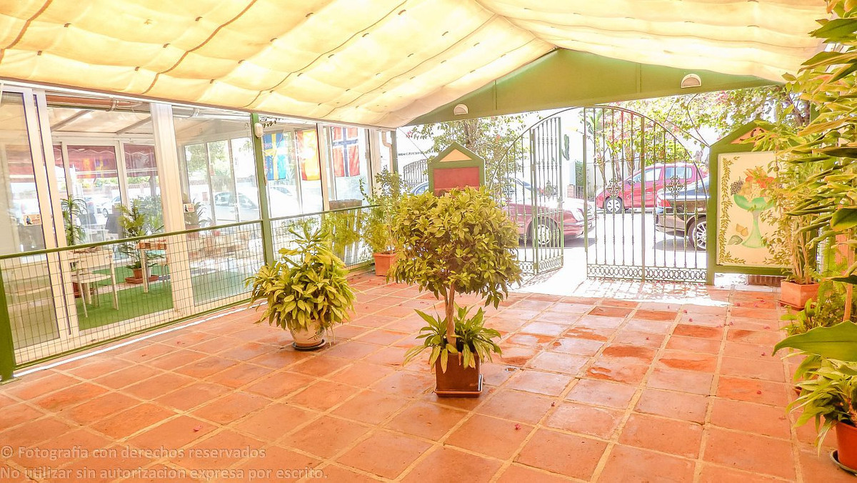 Restaurant for sale in San Pedro at walking distance to the beach. Ready to open.  Restaurant, San P,Spain