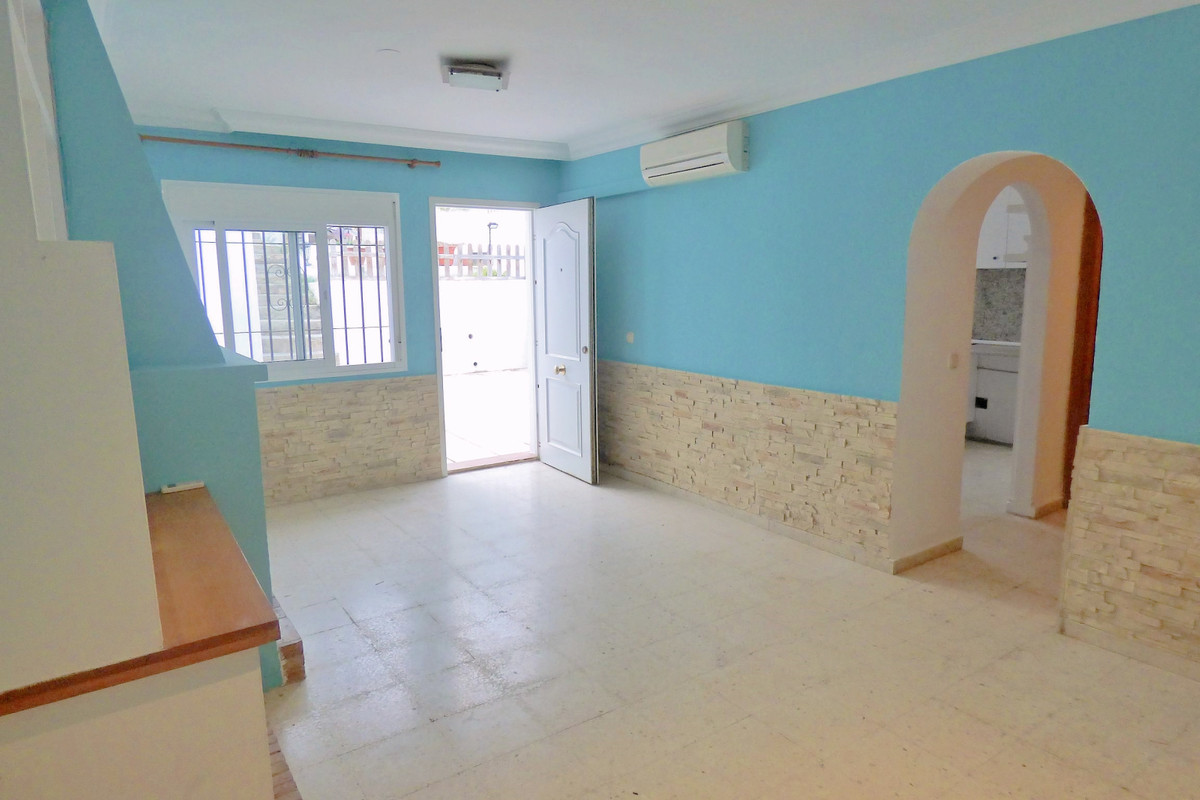 Charming townhouse, 2 bedrooms, 2 bathrooms, terrace, living room with fireplace,  separate kitchen , Spain