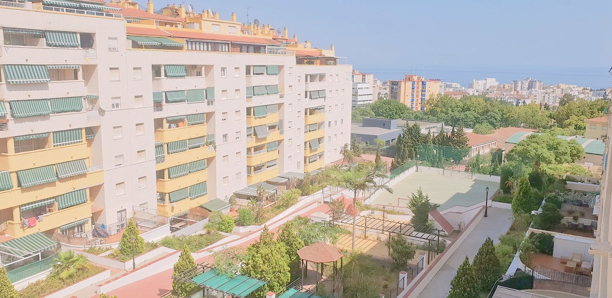 4 bedroom apartment in Parque Miraflores, Marbella.  Close to everything, just 10 minutes walk to th, Spain