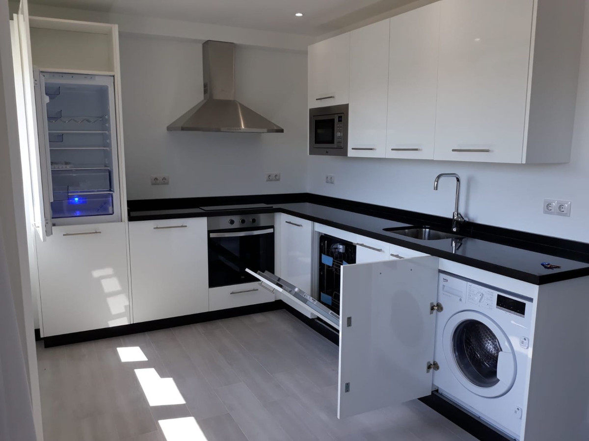 Apartamento Planta Media en Venta en Marbella – R3502837