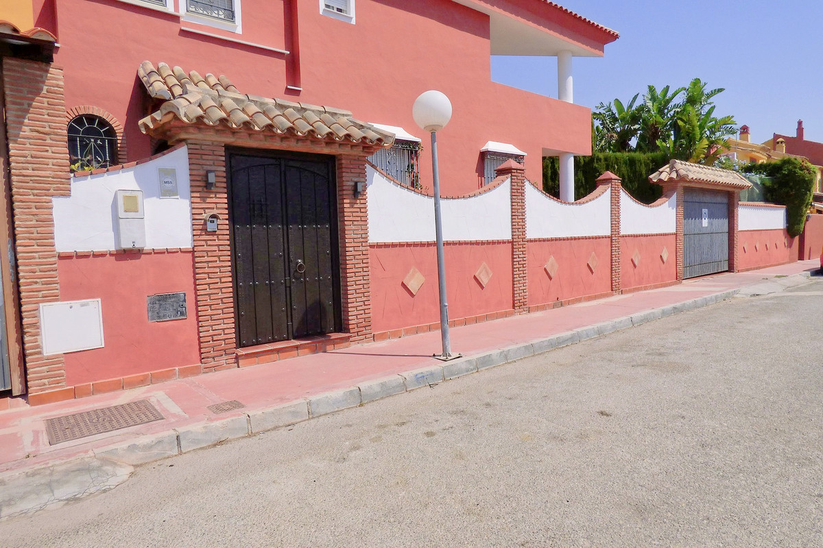 Semi-Detached House, Marbella, Costa del Sol. 3 Bedrooms, 3 Bathrooms, Built 150 m², Terrace 20 m², ,Spain