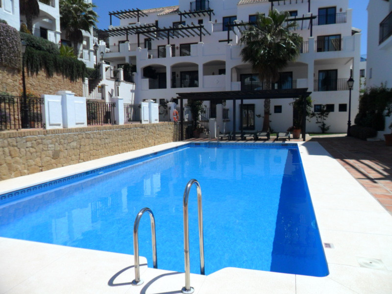 A fantastic opportunity to acquire a luxury 4 bedroom Marbella apartment at a bargain price - Ideall, Spain