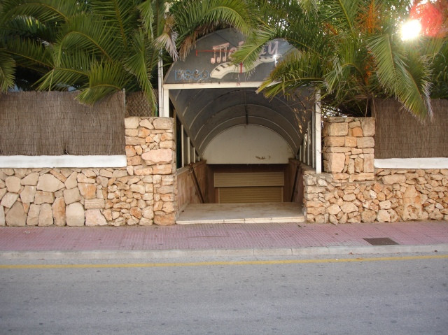 Sold. This is a place to sun lowered price, as it is a place of 50m2., 1.5 meters above the street, ,Spain