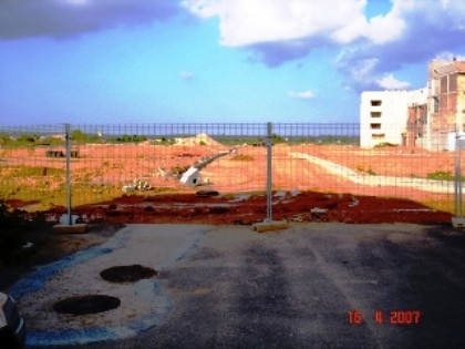 Plot of 333 m2. Urbanization is a coast of 12 plots. This plot has to be in front of a park. Accordi, Spain