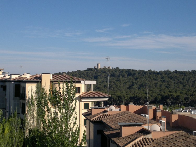 Penthouse located in residential complex with pools and gardens, area schools, built in 2000, stunni, Spain