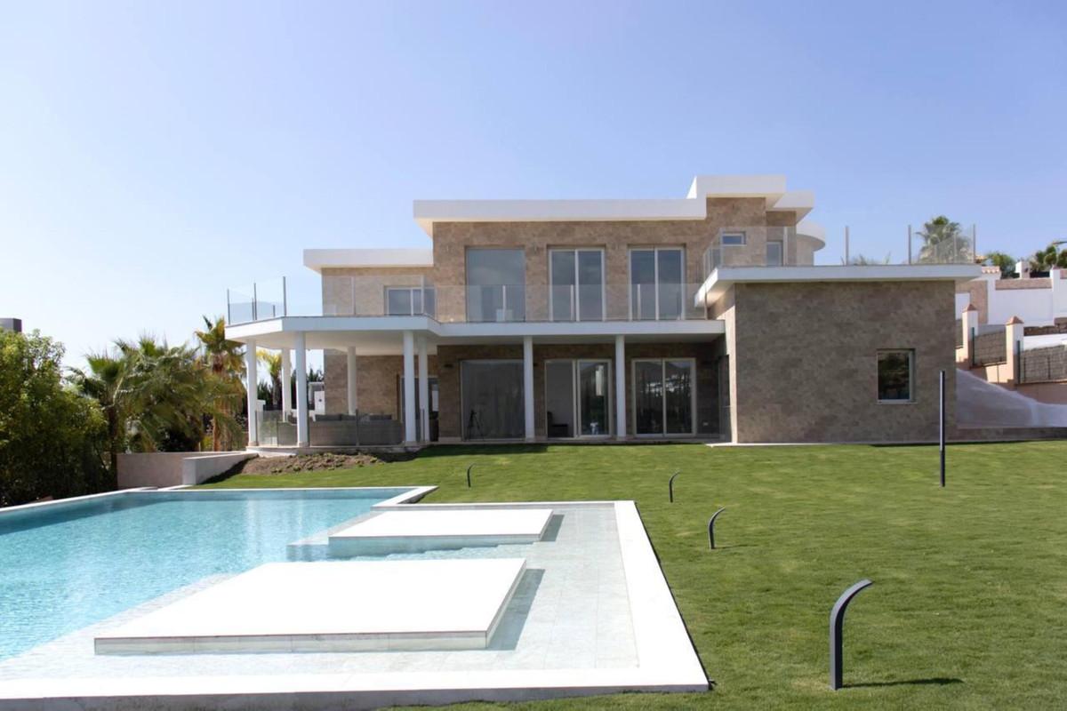 4 bedrooms Villa in Estepona