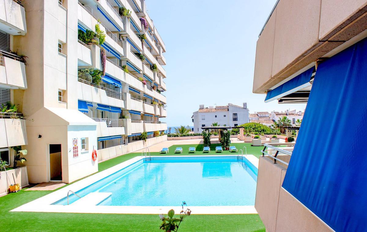 Marbella Banus Apartamento en Venta en Puerto Banús – R3592315