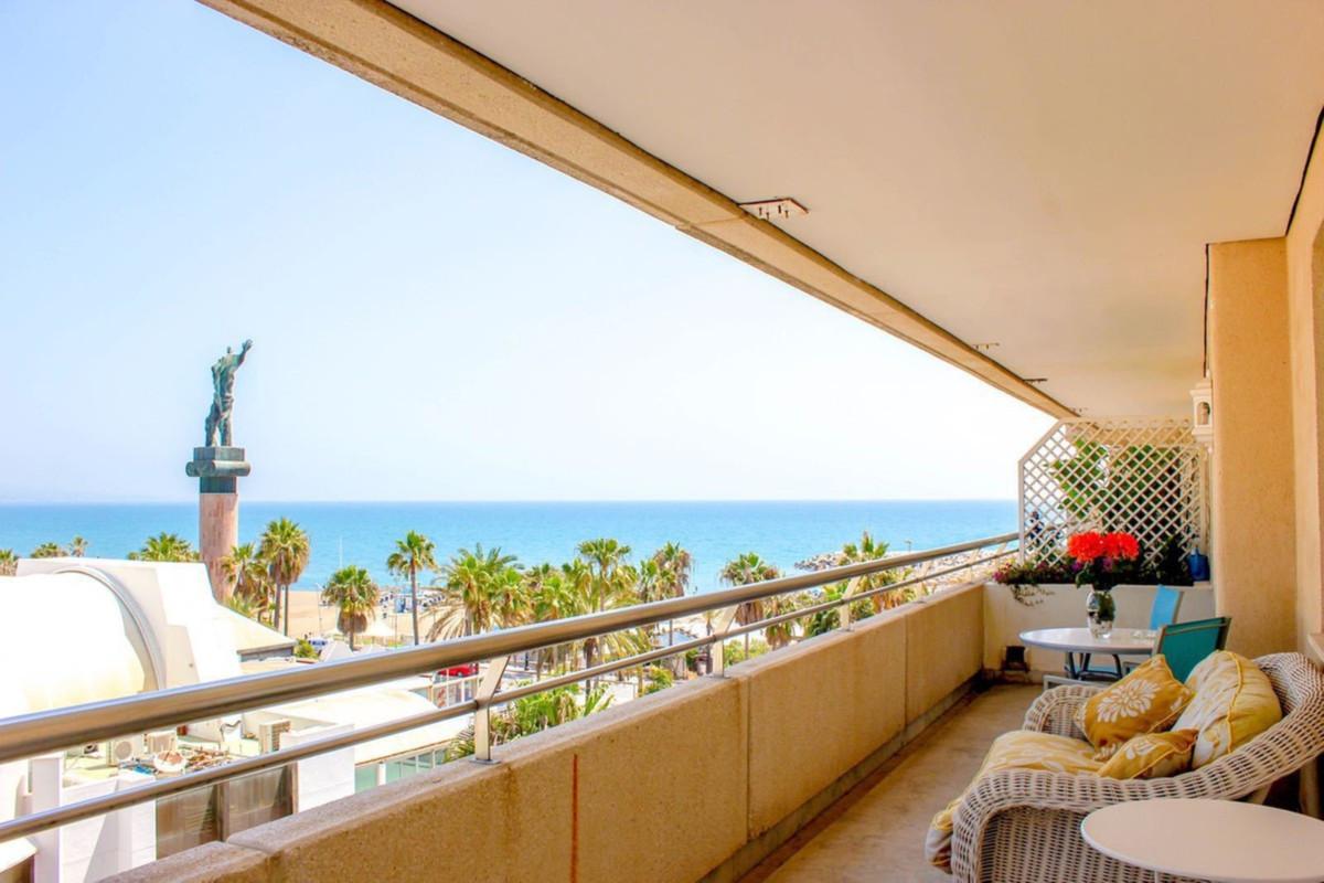 Marbella Banus Apartamento Planta Media en venta en Puerto Banús – R3592336