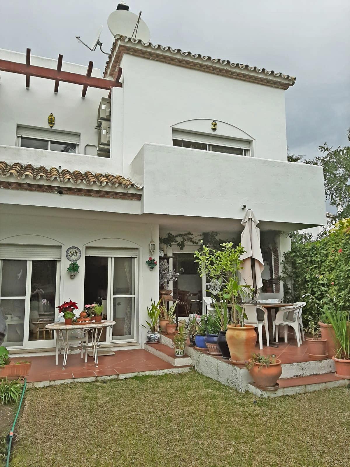 House - Estepona - R3596215 - mibgroup.es