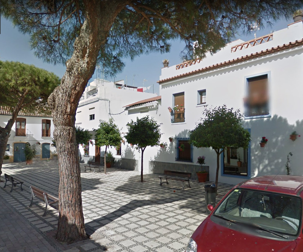 Maison Jumelée, Mitoyenne  en vente    à Estepona