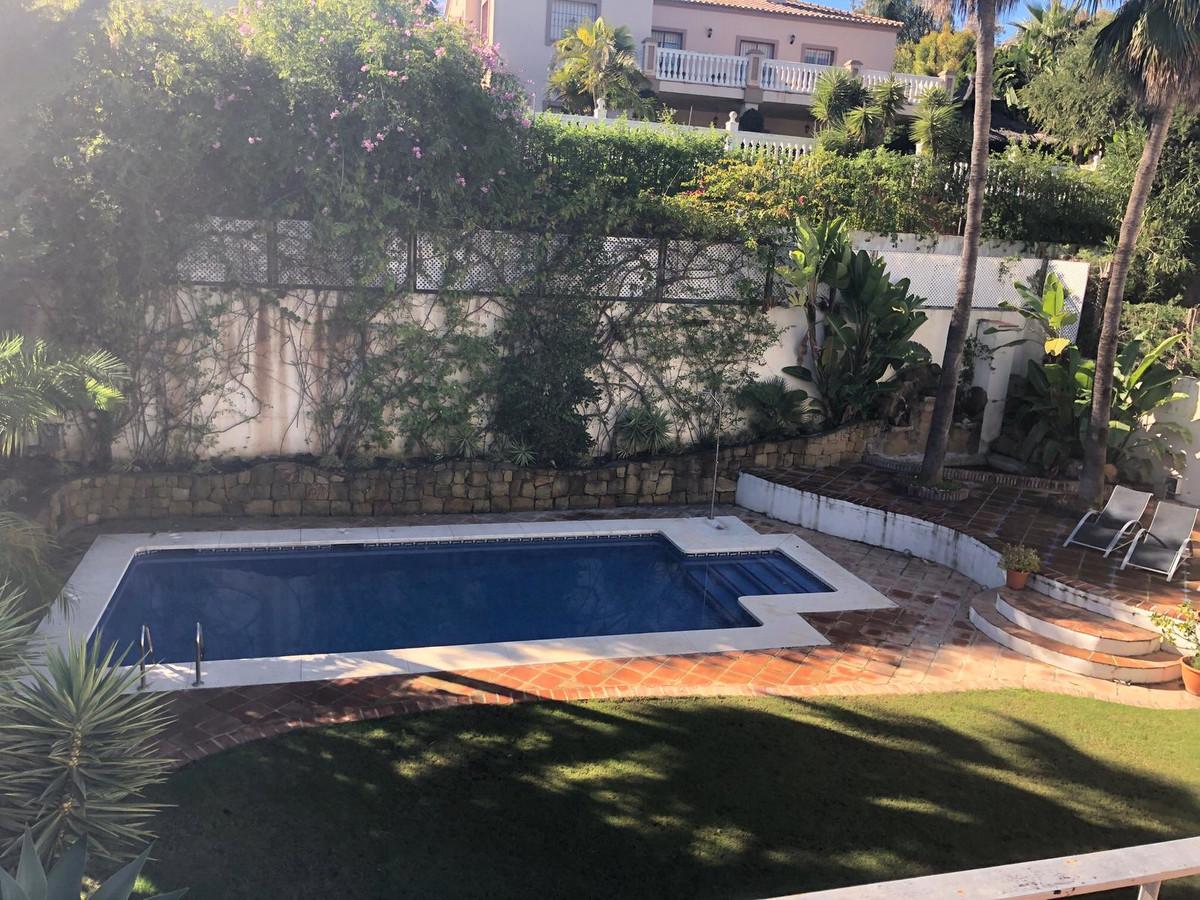 Marbella Banus Villa – Chalet en Venta en Guadalmina Alta – R3325588