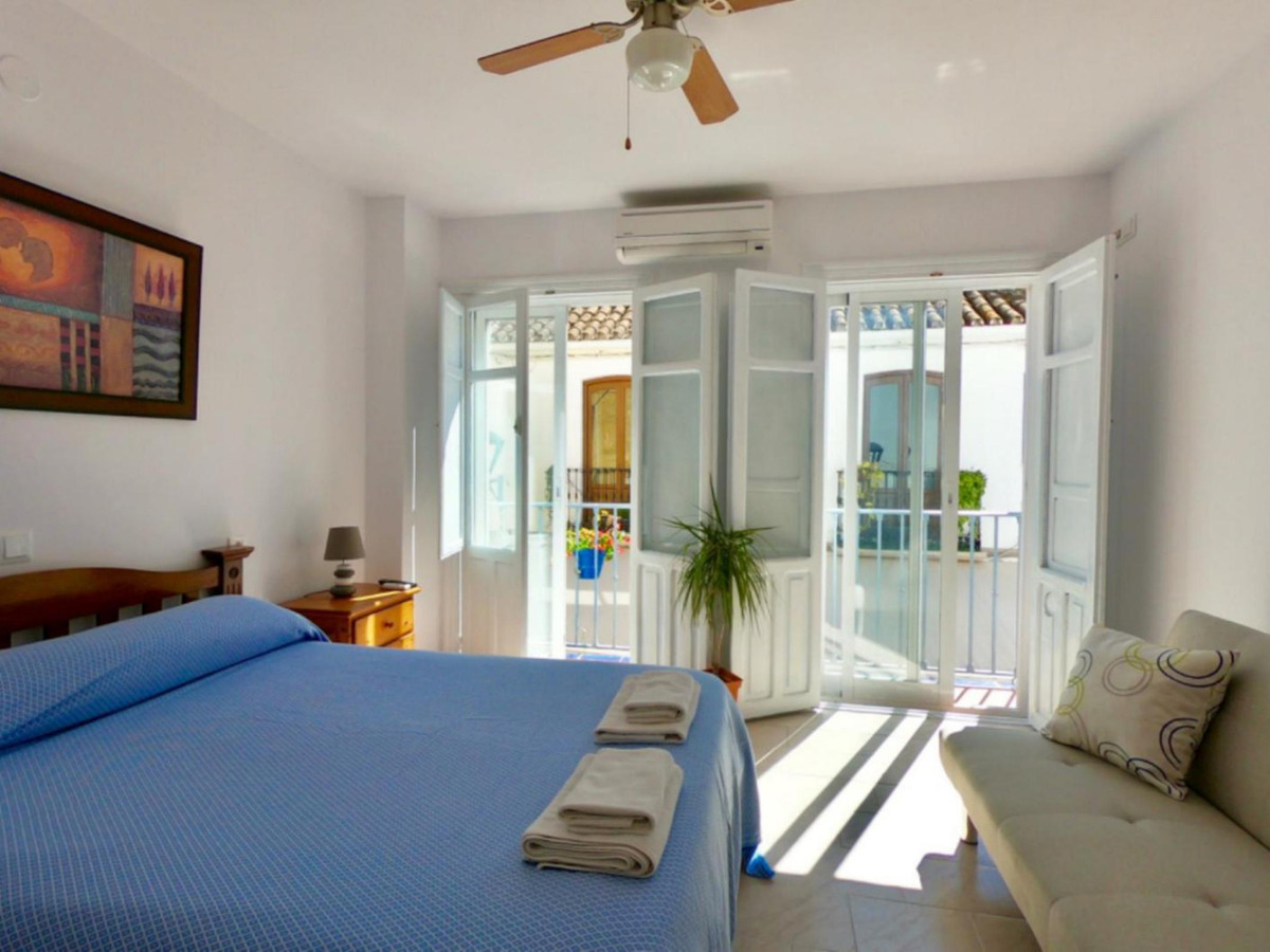 HOSTEL IN THE HEART OF THE CITY OF ESTEPONA, ESPECIALLY IN AN OLD CASE, JUST 2 MINUTES WALKING TO ON,Spain