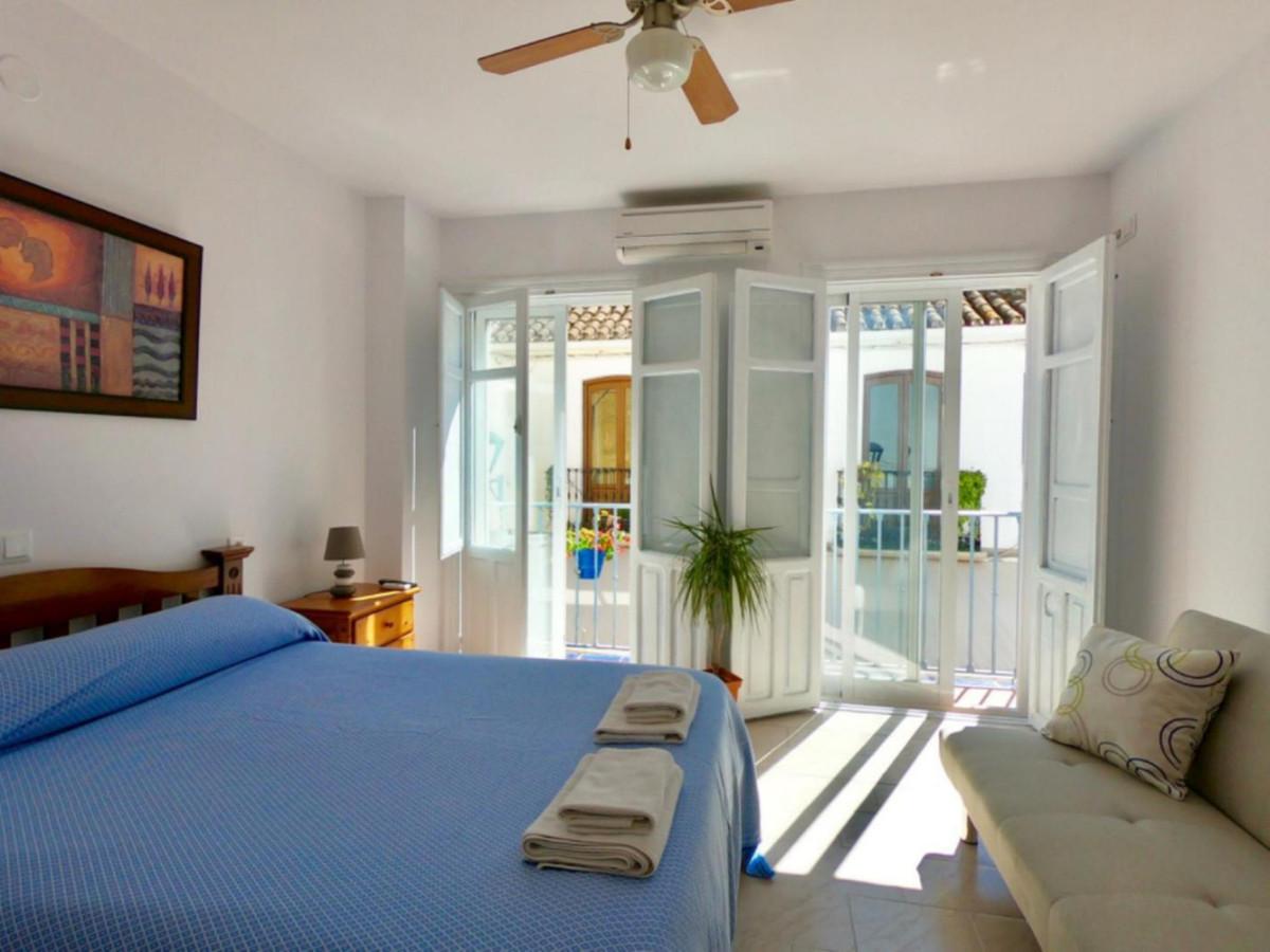 Hostel for sale in Estepona R3794746