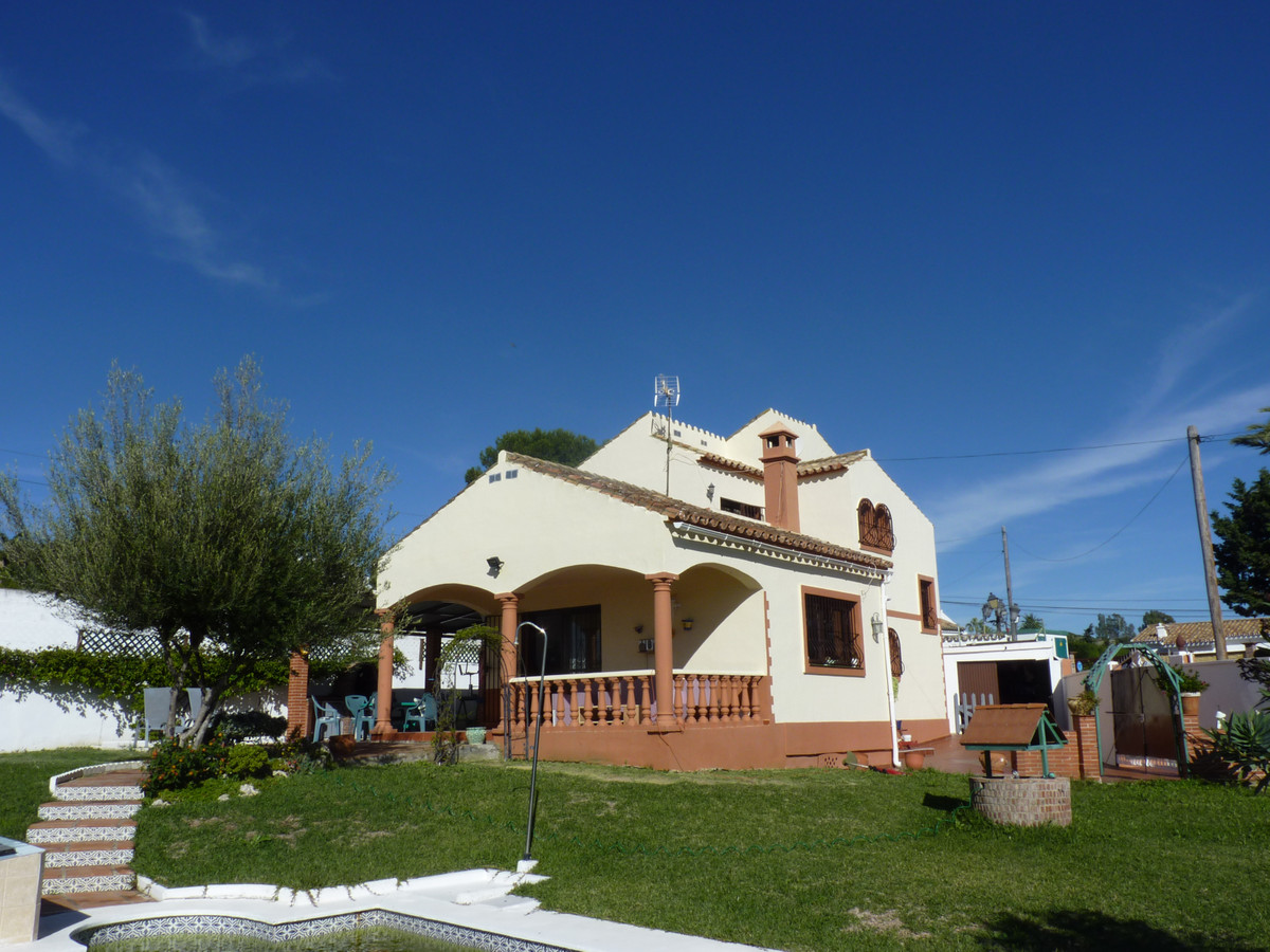 """Magnificent independent villa located in the Urb. """"Don Pedro"""" of Estepona a few meters fro,Spain"""