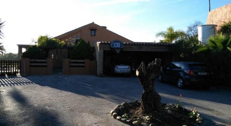 Villa – Chalet en venta, Estepona – R2571308